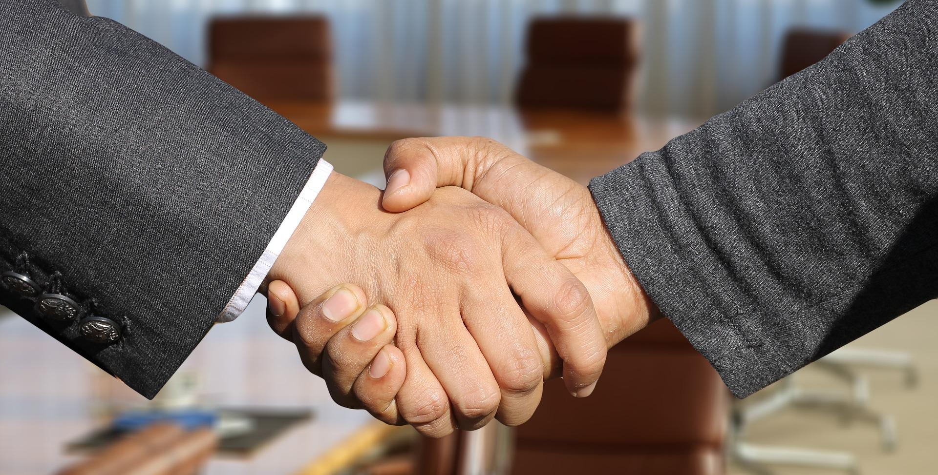 Négociation commerciale : comment détecter le bluff?