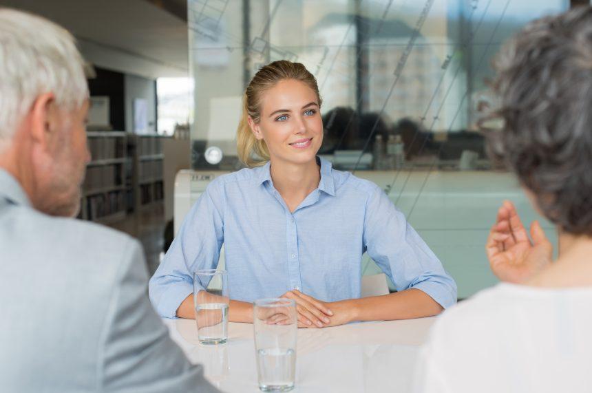 Quels documents l'employeur doit-il fournir à ses employés ?